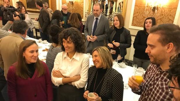 La presidenta de Diputación en el desayuno de Navidad con periodistas.