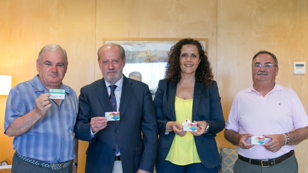 El presidente de la Diputación ha recibido al responsable de la Asociación Donantes de Sangre, Tejidos y Órganos de Sevilla