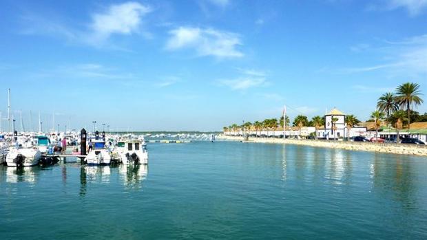 Los puertos deportivos son una opción diferente para disfrutar del verano