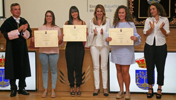 Susana Díaz y Eduardo González-Mazo entregan los premios a los alumnos más brillantes.