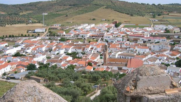 Panorámica del municipio sevillano de Alanís de la Sierra