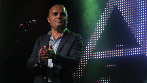 El moronense Alfonso Luna vuelve a los escenarios con su nuevo espectáculo «Qué sabe nadie»