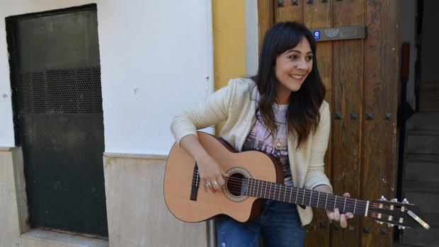 La utrerana Sara Jiménez compone sus propias canciones y va a lanzar al mercado su segundo disco