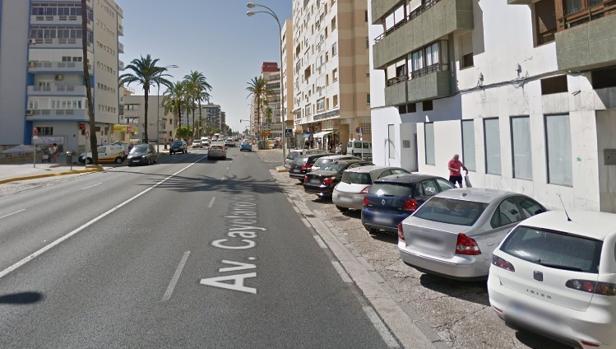 El carril de salida de la Avenida pasará a ser zona azul de pago