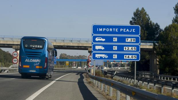 La autopista AP-4 entre Sevilla y Cádiz será liberada a final de este año.