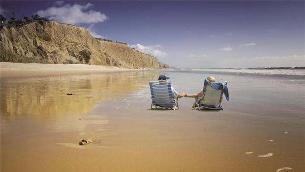 Cádiz está lleno de rincones costeros donde disfrutar del entorno de manera natural.