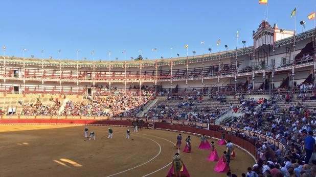 Un espectáculo en la plaza de toros de El Puerto.