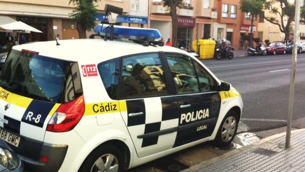 Agentes de la Policía Local se desplazaron al lugar del accidente.
