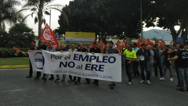 Trabajadores de Acerinox manifestándose en Los Barrios.