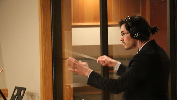 Miguel Bezanilla se marchó a Estados Unidos en 2014 para estudiar un máster en Composición de música de cine y ya trabaja en bandas sonoras de peículas de Hollywood