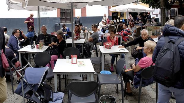 Veladores en un bar Sevilla