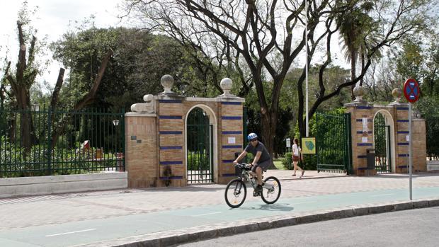 Entrada del Parque de los Príncipes, junto a la calle Santa Fe