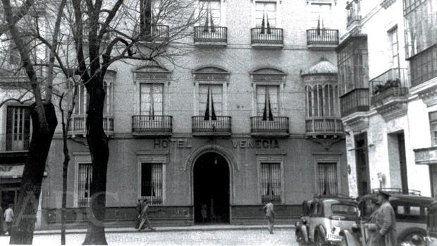 El Hotel Venecia en el año 1950