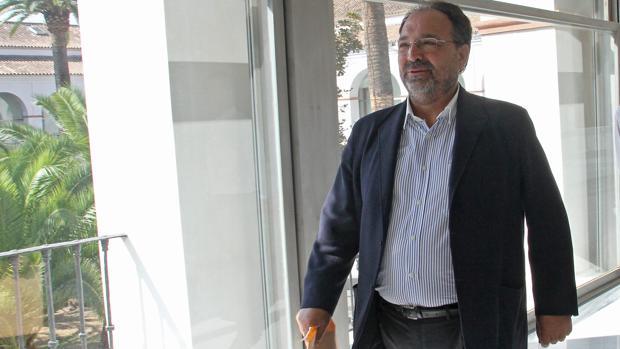 Alfonso Mir, en una comparecencia en el Parlamento de Andalucía hace varios años