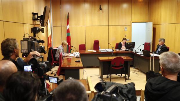 Un momento del juicio que se celebró hace unos días en San Sebastián