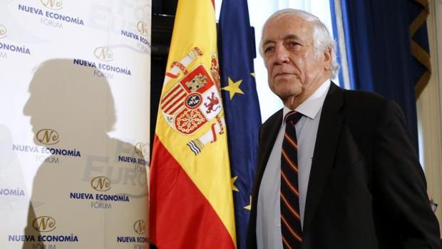 El alto comisionado para la Marca España, Carlos Espinosa de los Monteros, a su llegada al desayuno de Fórum Europa