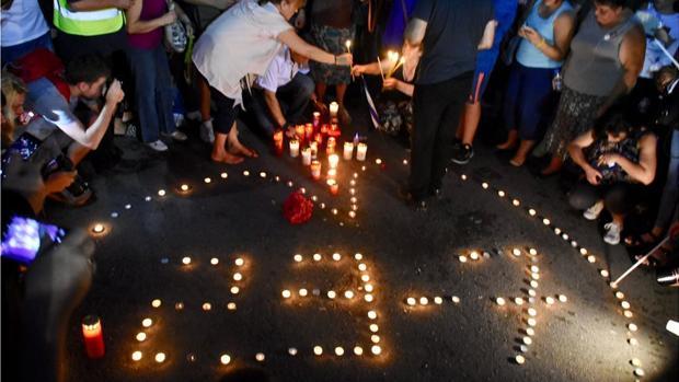 Imagen de la manifestación silenciosa, convocada por el jugador de baloncesto Yanis Gagalúdi