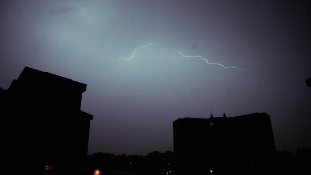 Tormenta que azotó el cielo madrileño el pasado mes de junio