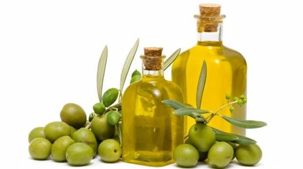 El aceite virgen extra es el zumo de la aceituna, extraído con procesos mecánicos y a baja temperatura