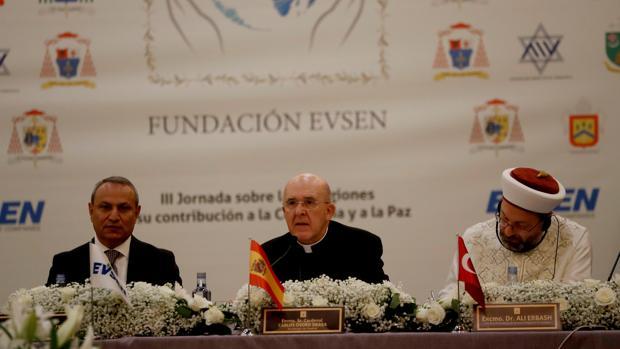 El arzobispo de Madrid, Carlos Osoro, participa en la Conferencia sobre la contribución de las religiones a la paz