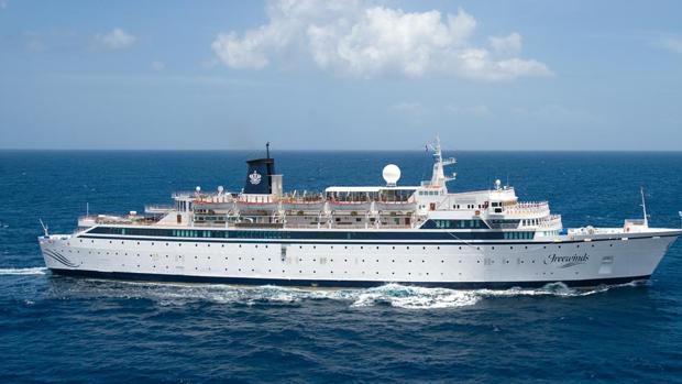 El barco «Freewinds»